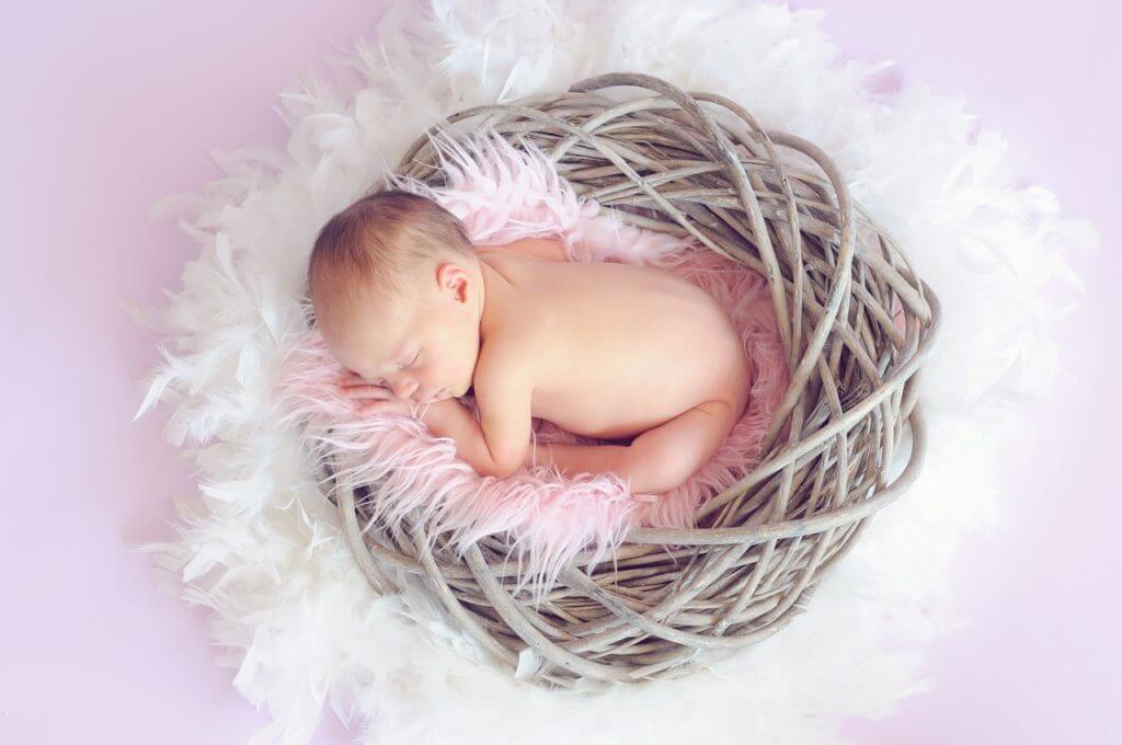 赤ちゃんのおくるみ 衣食住の衣が最初のわけ